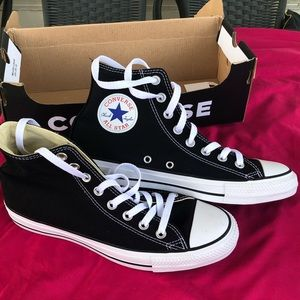 52e531409863 Women s Converse Chuck Taylor All Star Sneakers Unisex Sizing on ...